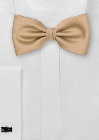 Solid Bow Tie in Caramel