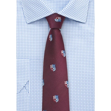 Crested Repp Textured Tie in Burgundy