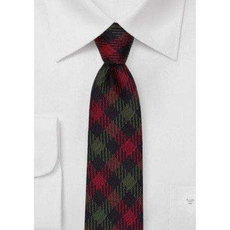 Winter Wool Plaid Tie in Dark Green and Red
