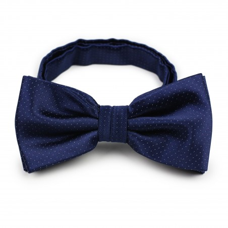 navy pre-tied bow tie with pin dots