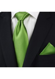 Clover Green Tie in XL Length Styled