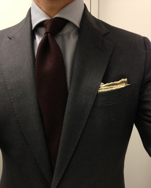 Eccentric ways to wear a burgundy tie this winter season for Grey shirt and tie combinations