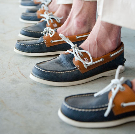 mens-navy-brown-boat-shoes