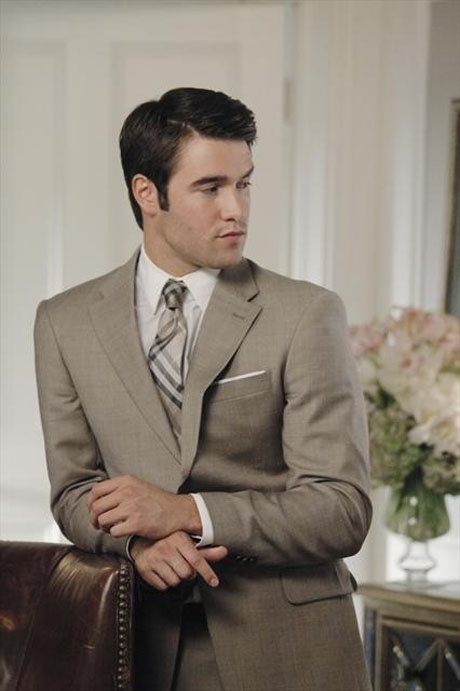 beige-suit-white-pocket-square
