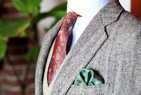 tweed-jacket-paisley-silk-tie